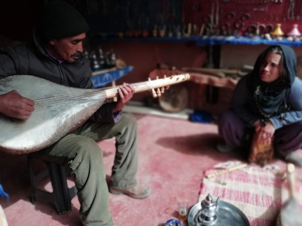 Rencontre berbère avec  Lahcen musicien
